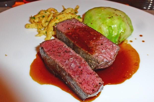 Hirschfilet mit Rotweinsauce