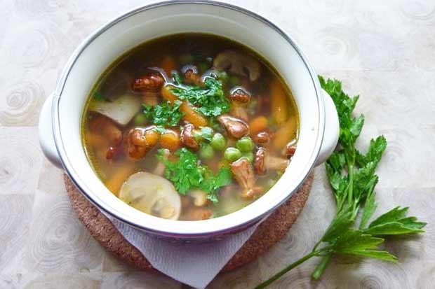Eierschwammerl-Suppe