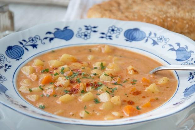 Erdäpfel-Paprika Suppe