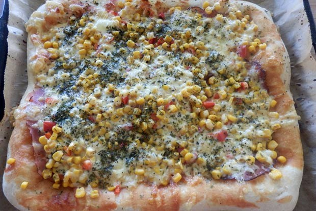 Pizza mit Dinkelmehl