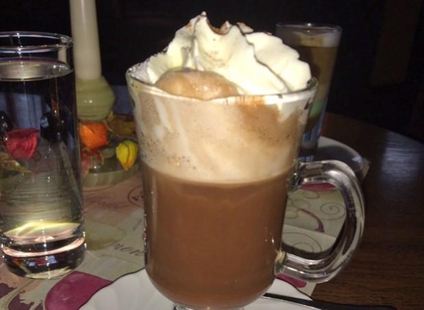 Eiskaffee mit Baileys