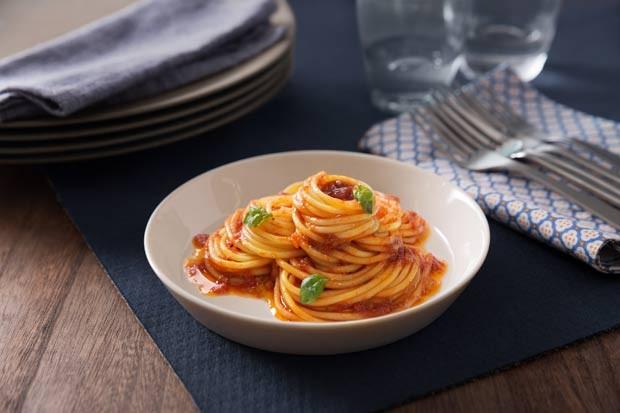 Spaghetti mit Sauce Basilikum