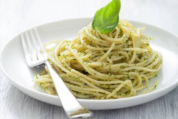 Spaghetti mit Pesto alla Genovese und Rindergeschnetzeltem