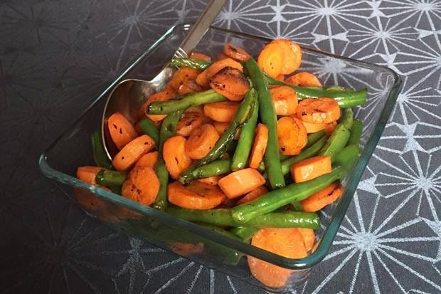 Gegrillte Karotten und Fisolen