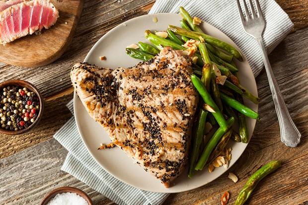 Gegrillte Thunfisch-Steaks