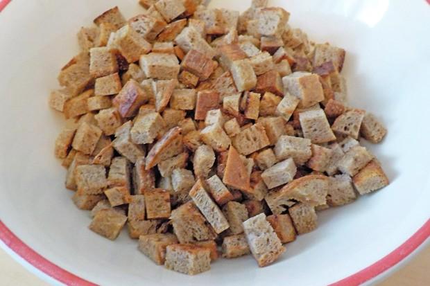Brotwürfel als Suppeneinlage