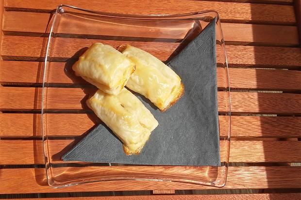 Blätterteig-Bananen-Schoko-Taschen