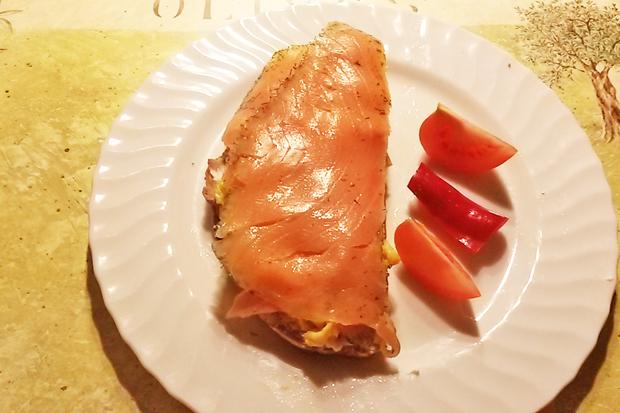 Eierspeis-Lachs-Brot