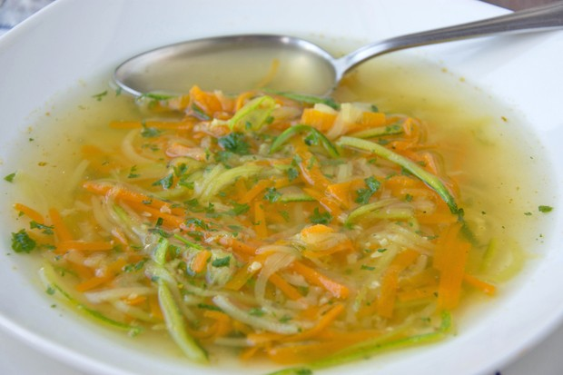 Gemüsenudelsuppe