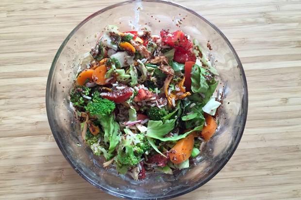 Reissalat mit Canihua und Gemüse