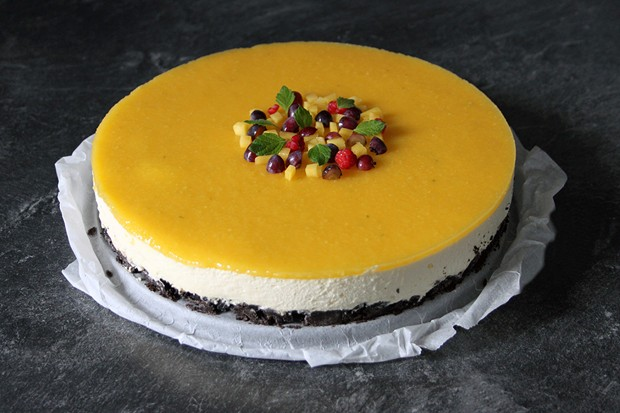 Oreo-Mango-Torte