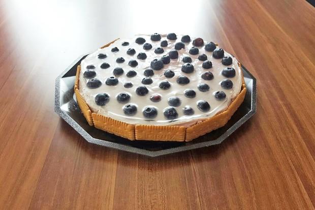 Heidelbeer Cheesecake mit Butterkekse