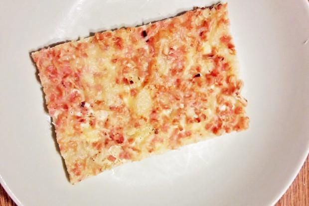 Camembert-Speck-Flammkuchen