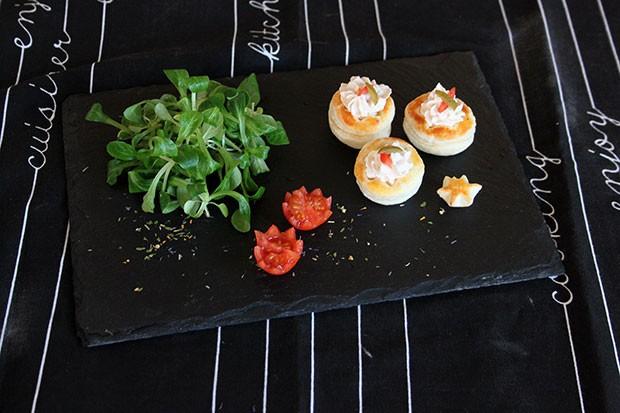 Blätterteigpasteten mit Frischkäsefülle