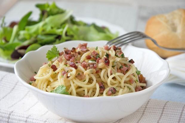 Würzige Spaghetti mit Speck