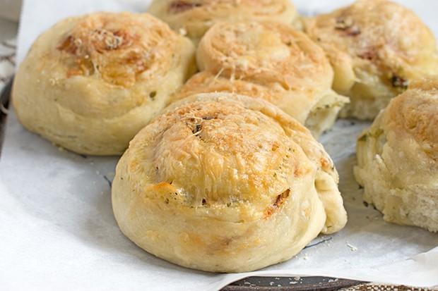 Würziger Kräuterschneckenkuchen