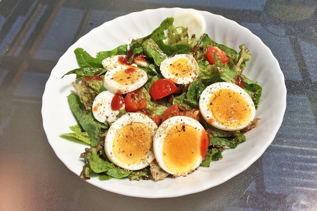 Sommersalat mit Ei