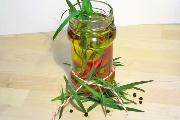 Chili-Estragon-Öl