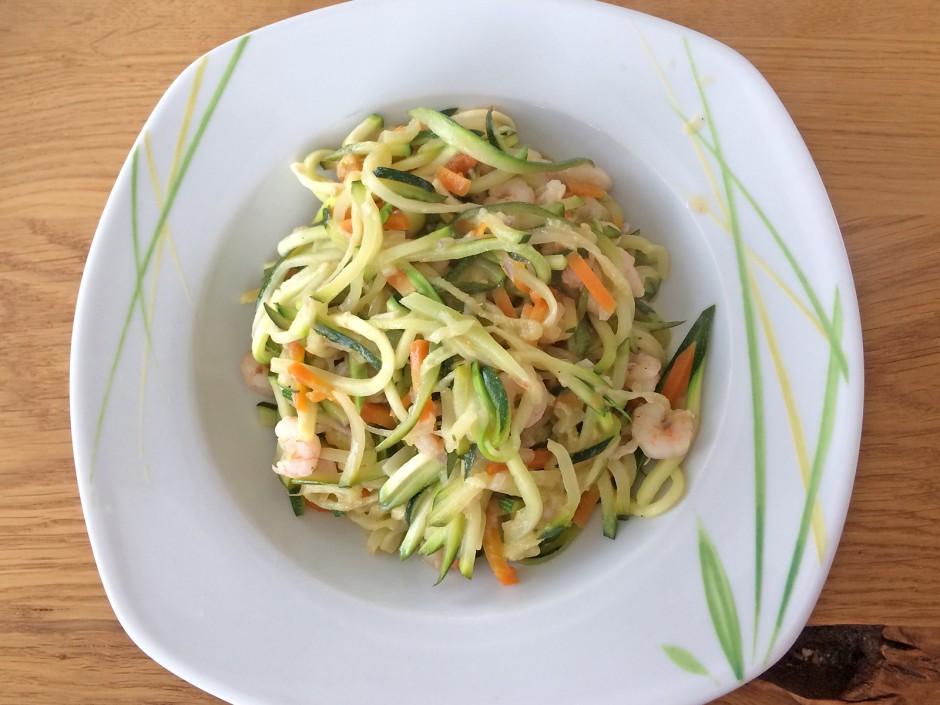 Zucchini-Nudeln mit Garnelen