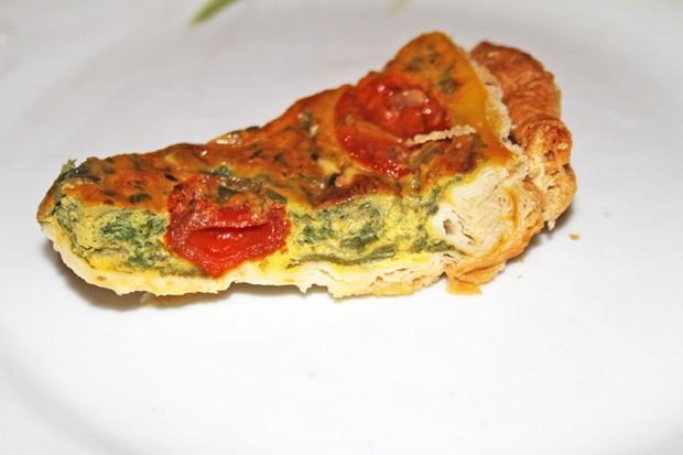 Blätterteig - Quiche mit Mangold und Tomaten