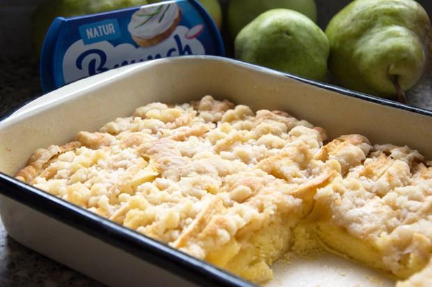 Apfel-Birnenkuchen mit Brunch