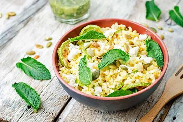 Zucchini-Hirse-Gericht