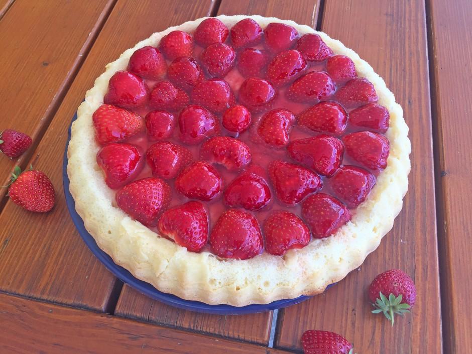 Biskuitkuchen mit Erdbeeren