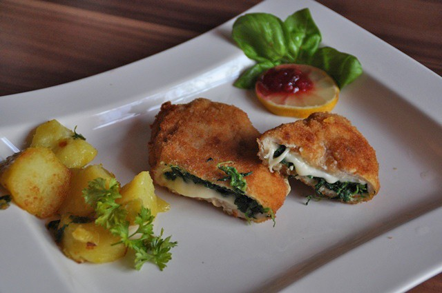 huehnerschnitzel-mit-spinat-mozzarella-fuelle.jpg