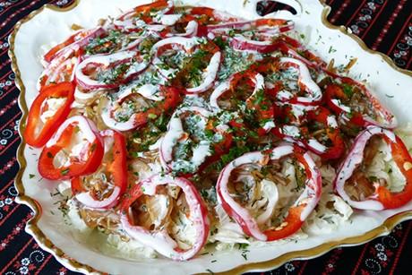 chinakohlsalat-mit-gebratenen-zwiebeln.jpg