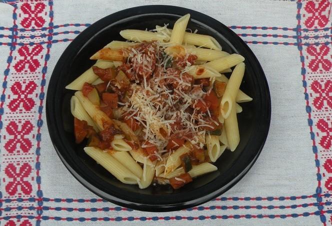 tomatensauce-mit-speck-und-zucchini.jpg