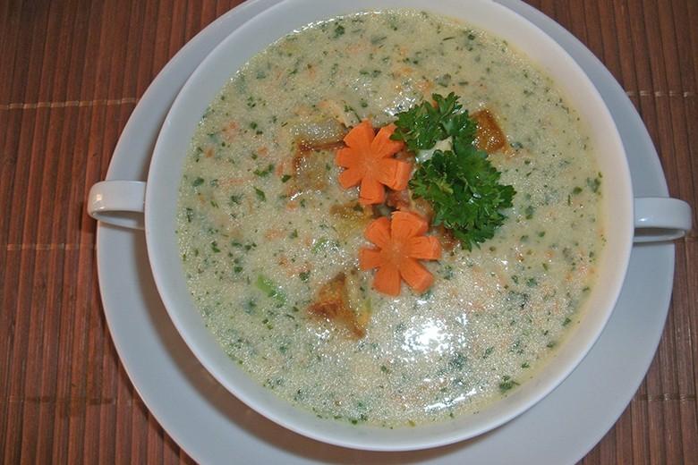 kraeutersuppe-mit-kartoffeleinlage.jpg