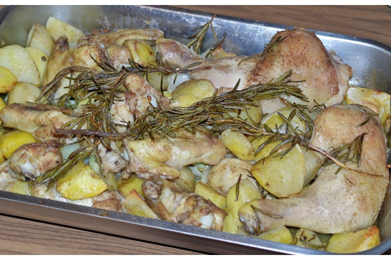huhn-mit-kartoffeln-und-knoblauch.jpg