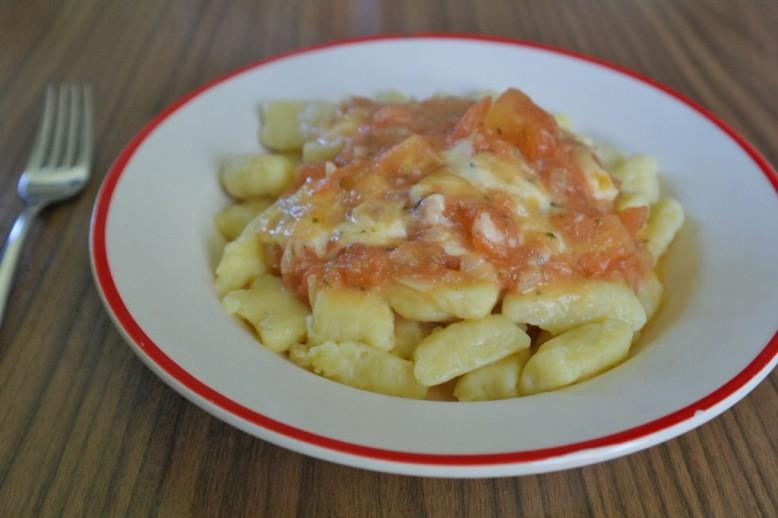 erdaepfelnockerl-in-dachsteiner-tomatensauce.jpg