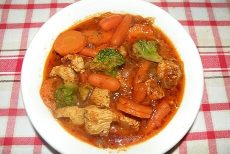 putengulasch-mit-brokkoli.jpg