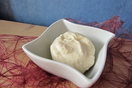vegane-mayonnaise-auf-sojamilchbasis.jpg