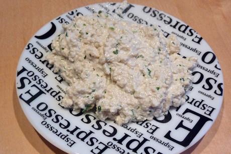 frischer-kraeuter-tofu-aufstrich.jpg