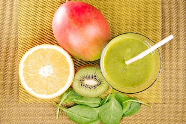 Orangen-Mango-Spinat-Smoothie