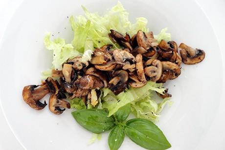 endiviensalat-mit-champignons.jpg