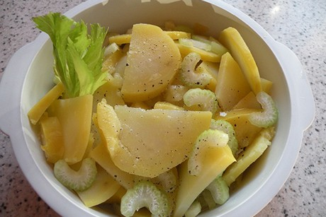 staudensellerie-kartoffelsalat.jpg