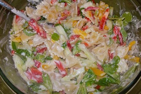 farfalle-salat-mit-paprika.jpg