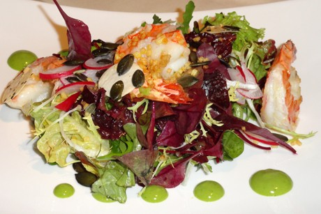 garnelen-auf-blattsalaten.jpg