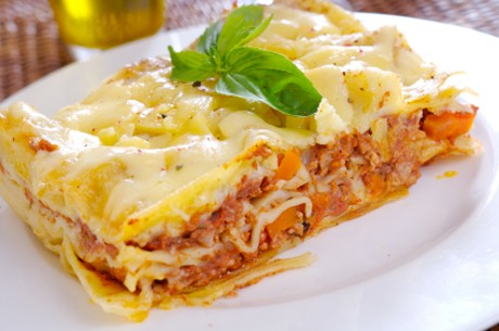 lasagnerezept-mit-bechamelsosse.jpg