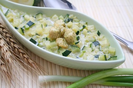 gurken-zucchini-salat.jpg