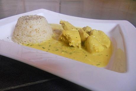 putengeschnetzeltes-mit-kokos-currysauce.jpg
