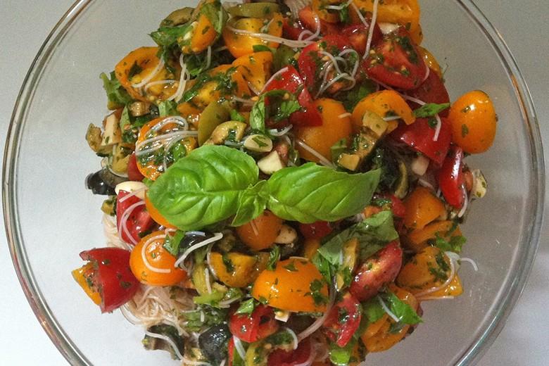 nudelsalat-mit-oliven-und-tomaten.jpg