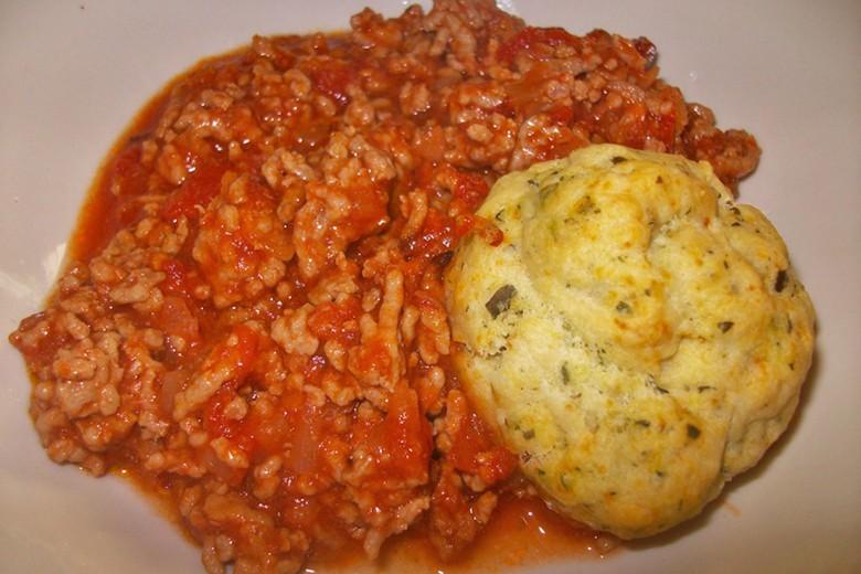 kraeuterknoedel-mit-tomatensauce.jpg