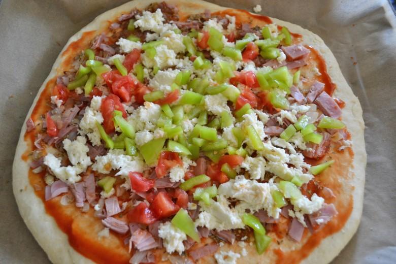 pizza-aus-brotbackmischung.jpg