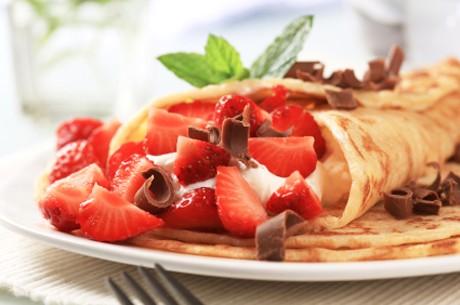 palatschinken-mit-erdbeerobers.jpg