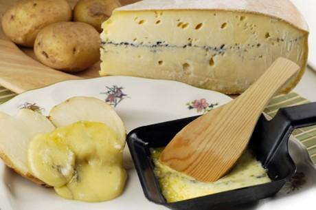 raclette-mit-kaese-und-kartoffeln.jpg