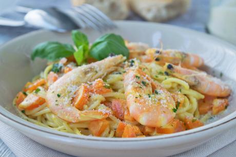 spaghetti-in-cremig-feiner-karotten-garnelen-sauce.jpg